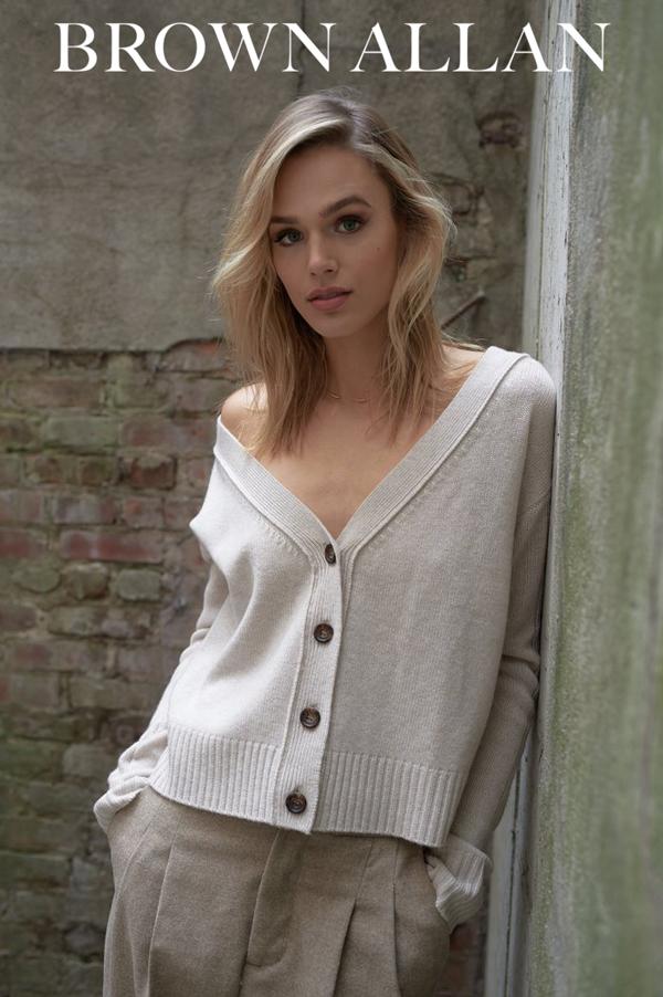 The-Clothesroom-Brown-Allan-Knitwear-2018-NL.jpg